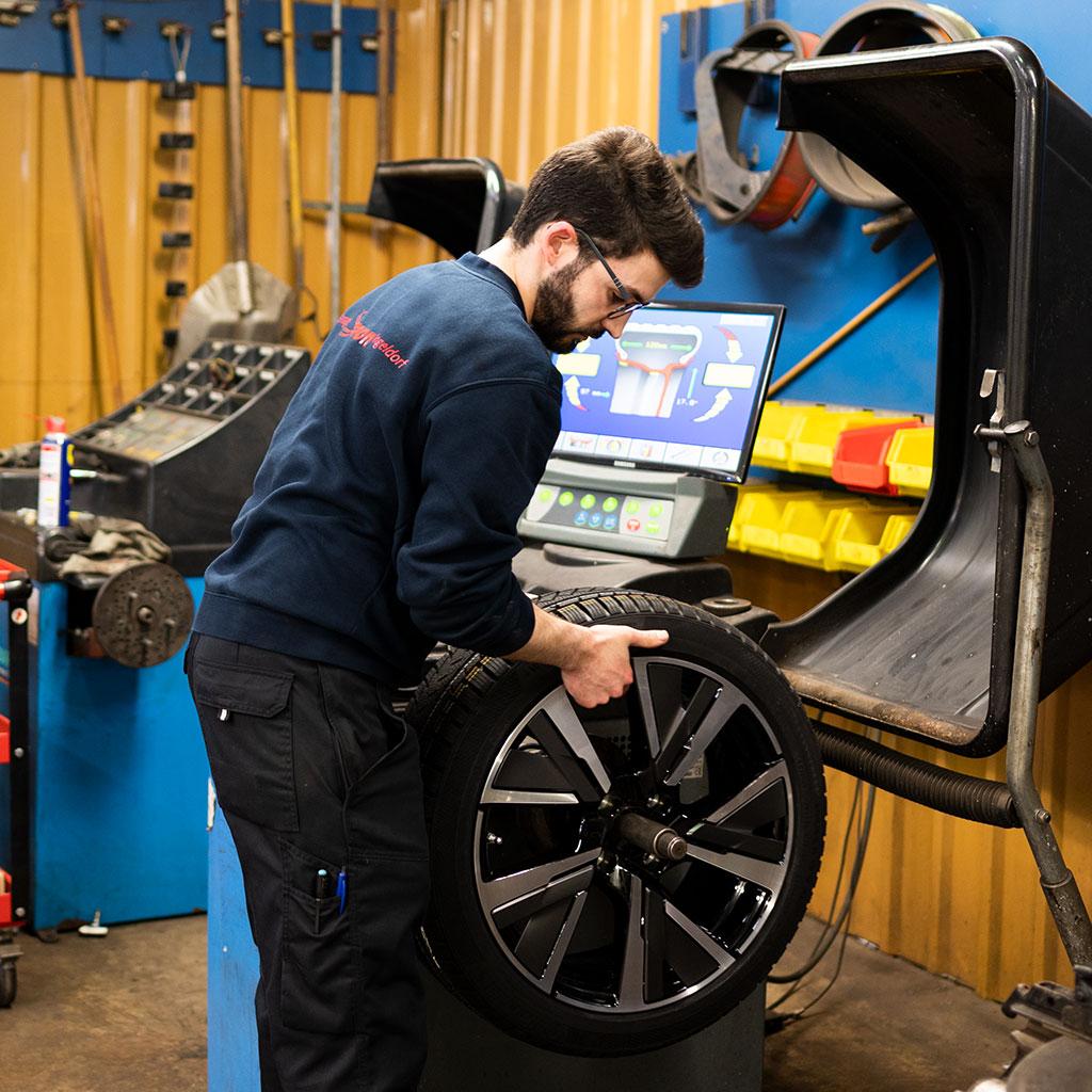 Service de pneus & stockage
